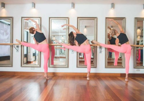 A POP-UP BARRE ATTACK CLASS IN AN EPIC LOCATION? YES, PLEASE